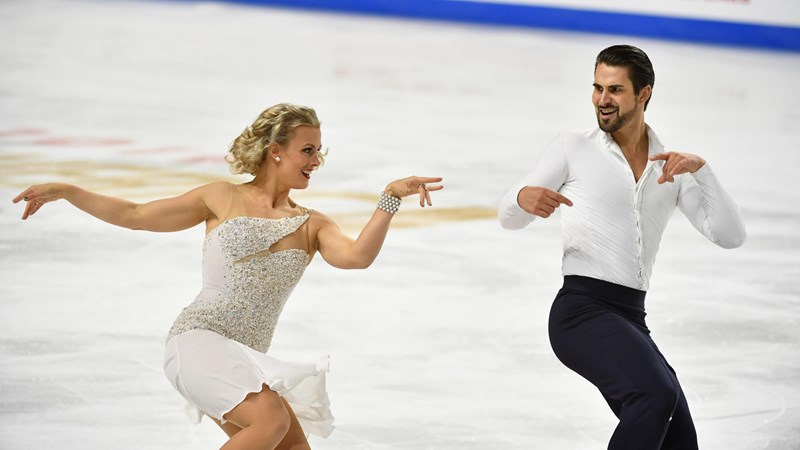 Hubbell and Donohue Hope to Win Hearts at Skate America